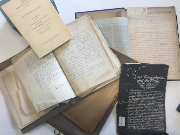 Documentos del archivo Francisco Suárez de la Universidad Loyola Andalucía.